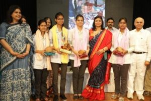 felicitating stuents